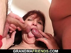 Old mature damsel swallows 2 cocks at once